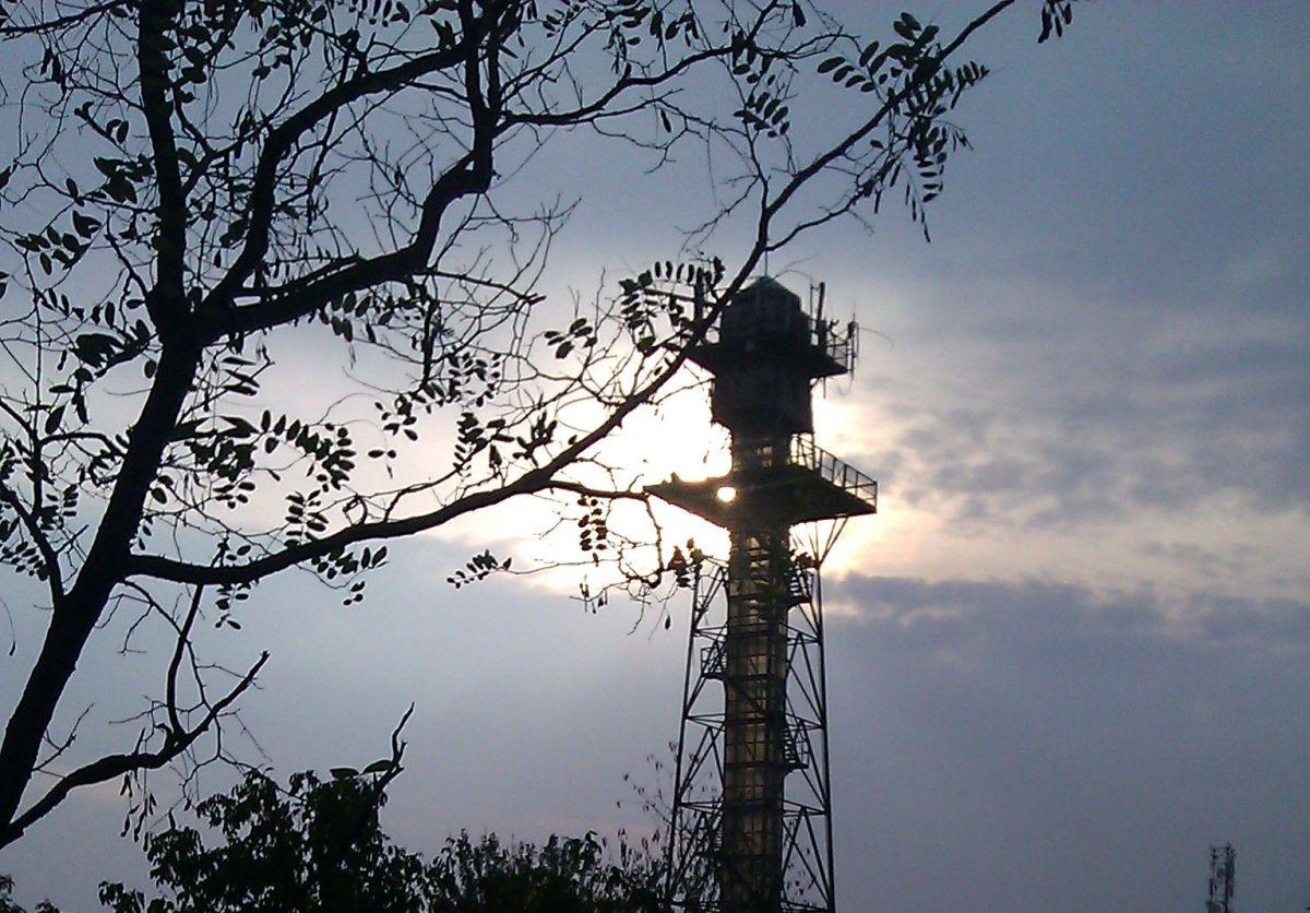Turnul parasutistilor