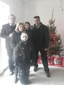 Alături de familia Moldovan, în prima lor casă