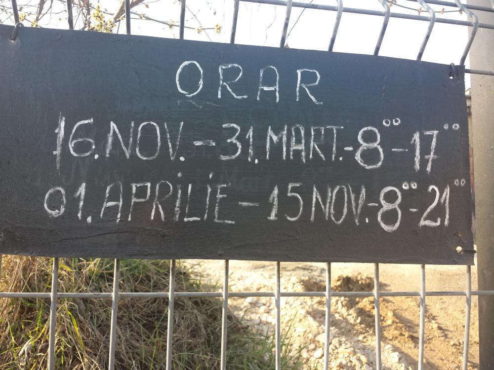 O bătaie de joc a la Cluj: Cimitirul Central are program de bancă