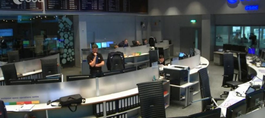 Azi, în direct din spațiu: prima aterizare pe o cometă