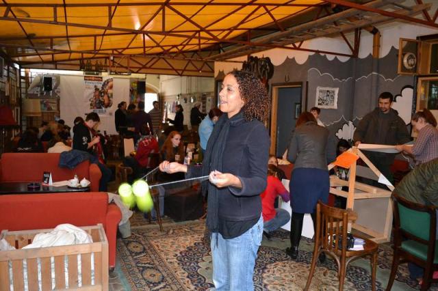 Share Skills: sau cum voluntarii ar putea schimba lumea